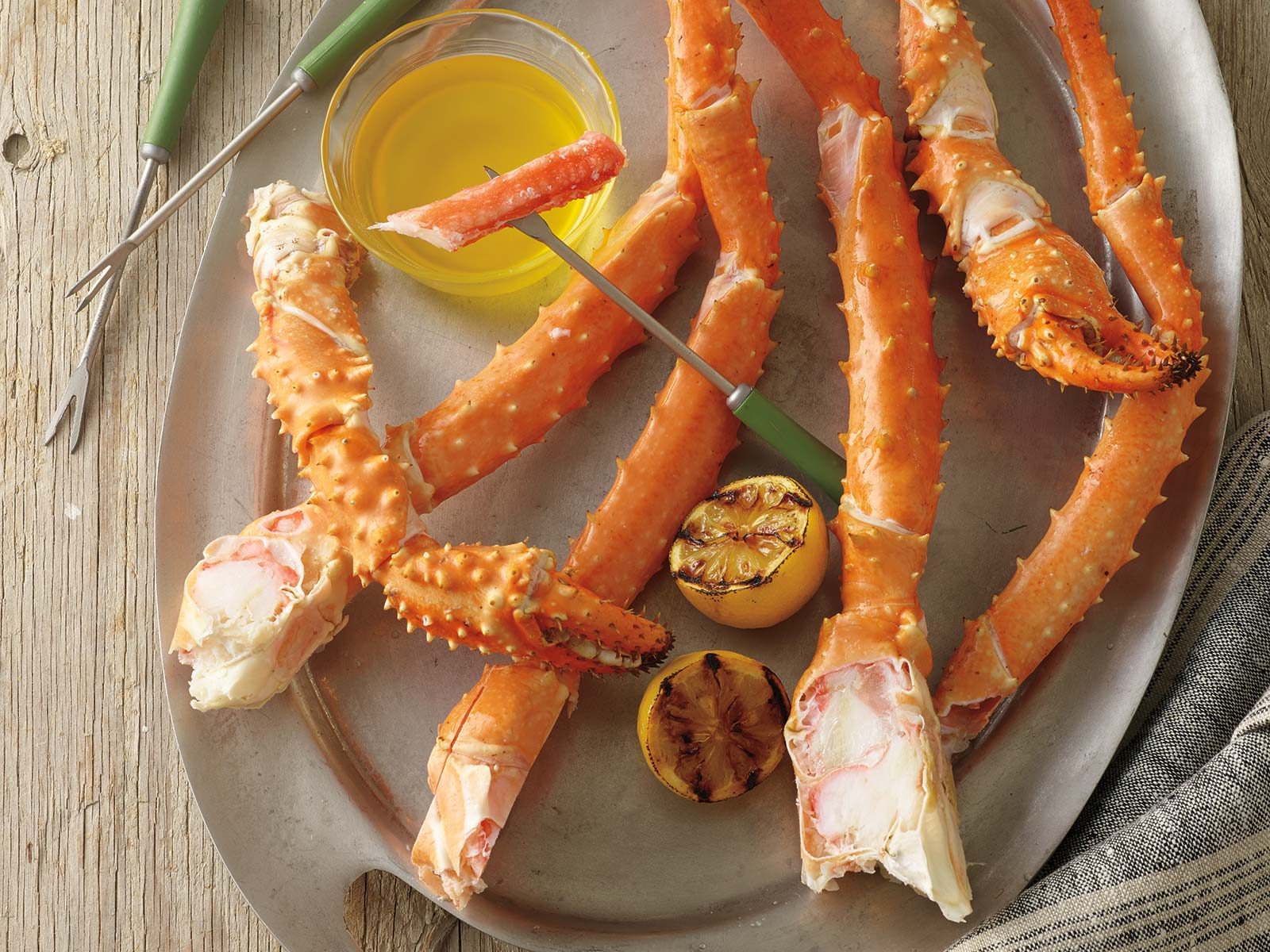 Golden King Crab Legs & Claws 16-20 Count Splits (1/10 lb) 415411