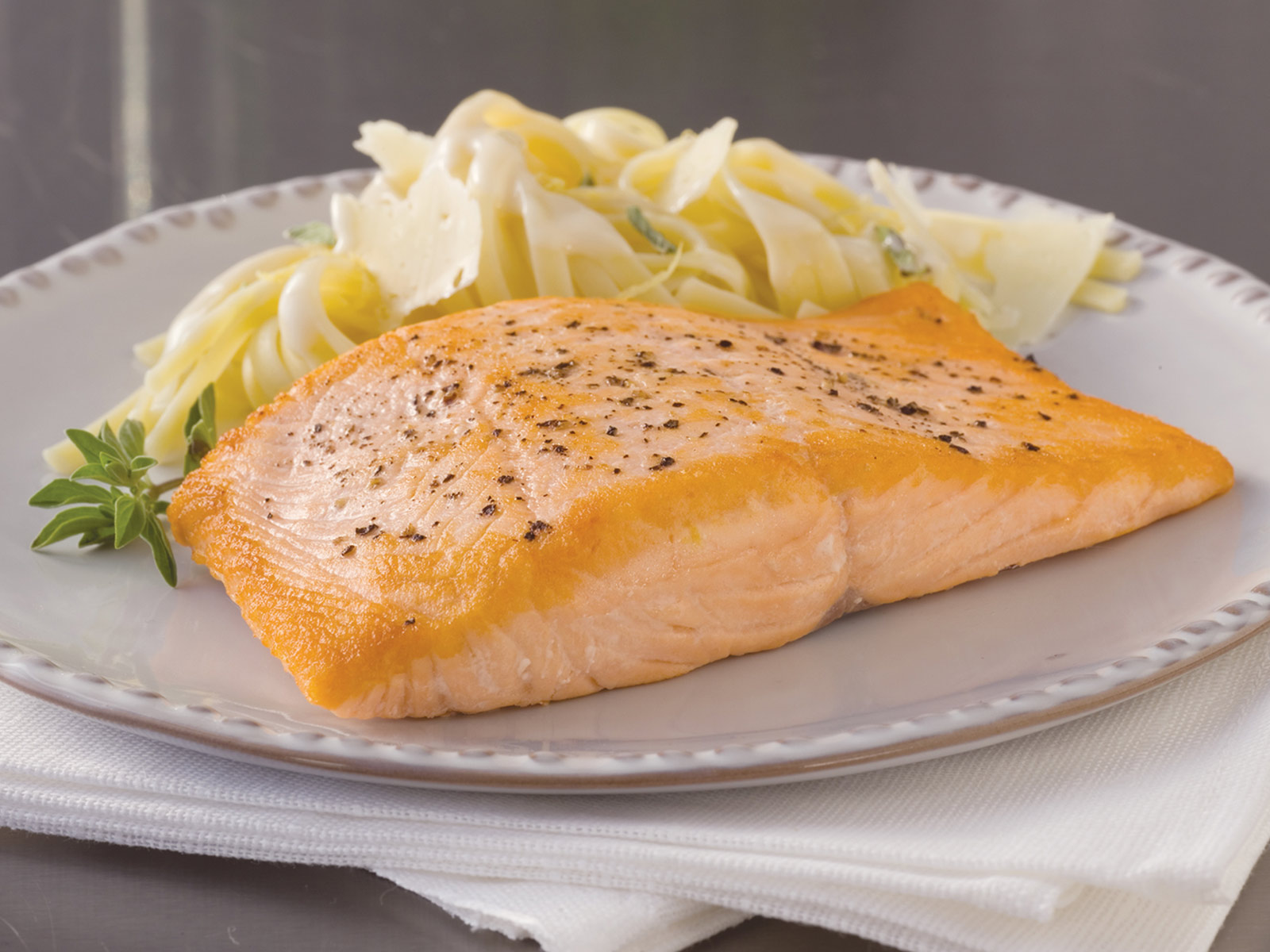 Atlantic Salmon Fillets 2-3 lb Pin Bone Out Vacuum Packed(1/15lb) 417490